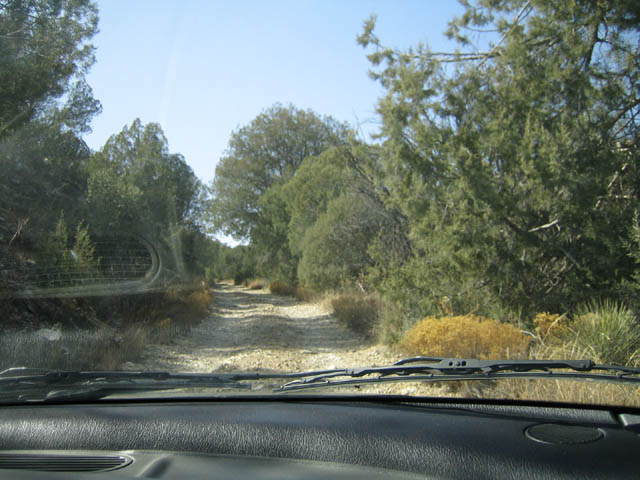 gravel road leading to the chrysotile mine location