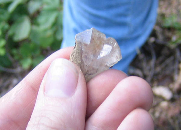 quartz crystals found in shale deposit